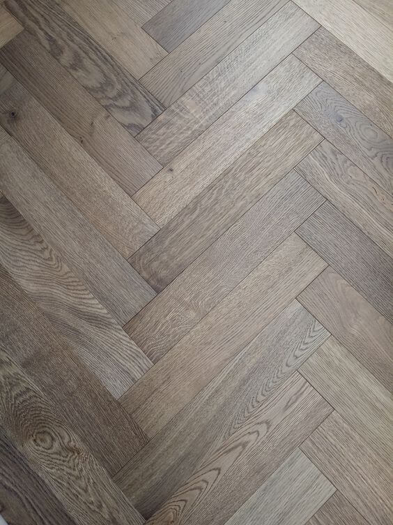 Grey Garden Natural Oak Wood Herringbone Parquet Flooring