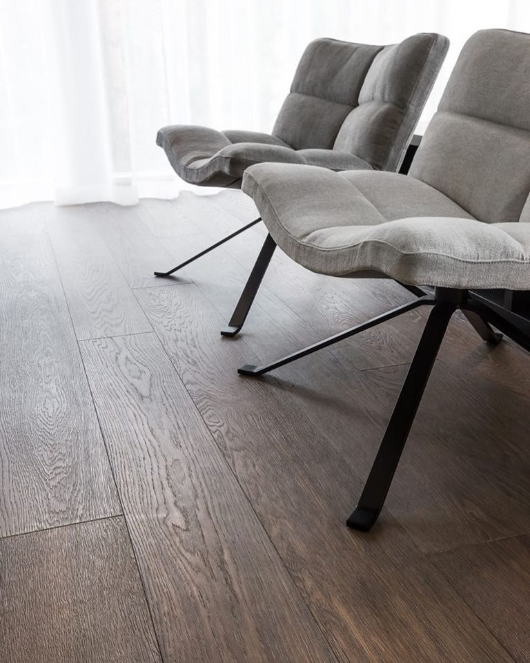 Smoke engineered oak flooring